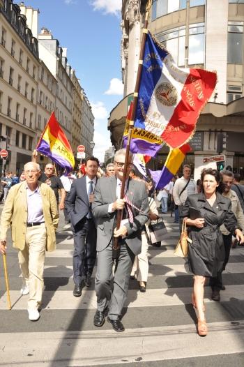 La bandera republicana ondea en París: Republicanos presente en los actos