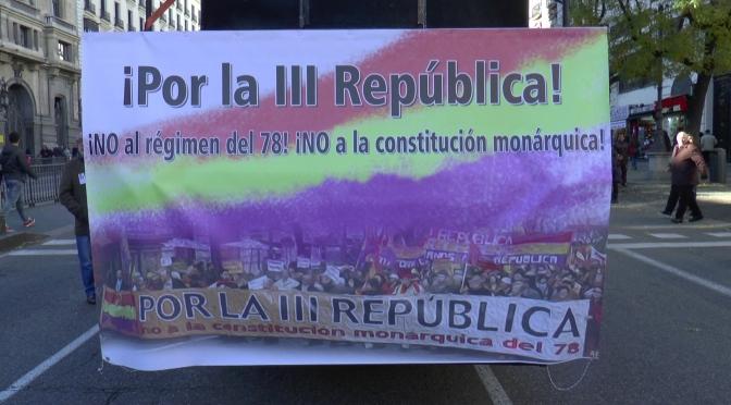 Cientos de republicanos salen a la calle contra la Constitución monárquica del 78