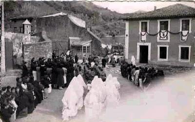 Prisioneras en Saturrarán junto con seis de sus monjas-guardianas en Septiembre de 1942