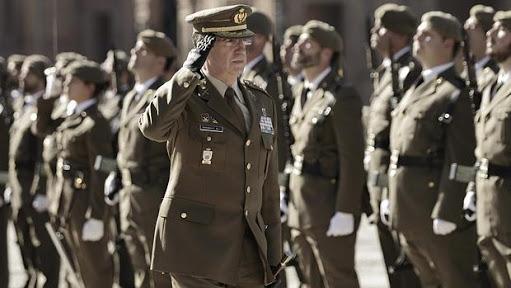 Gómez de Salazar, un trastornado al frente de la Fuerza Terrestre, por Luis Gonzalo*