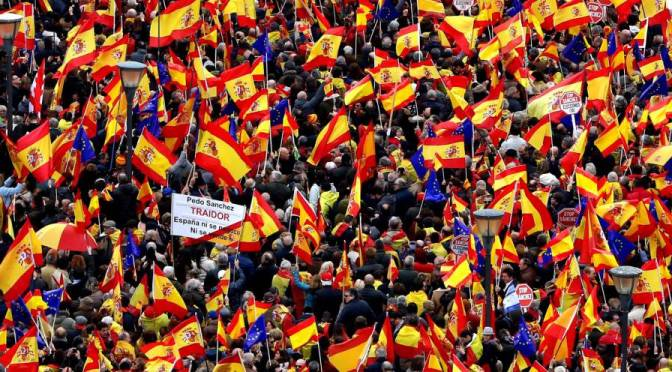 De banderas, guerras civiles, asonadas y golfadas , por Enriqueta de la Cruz*